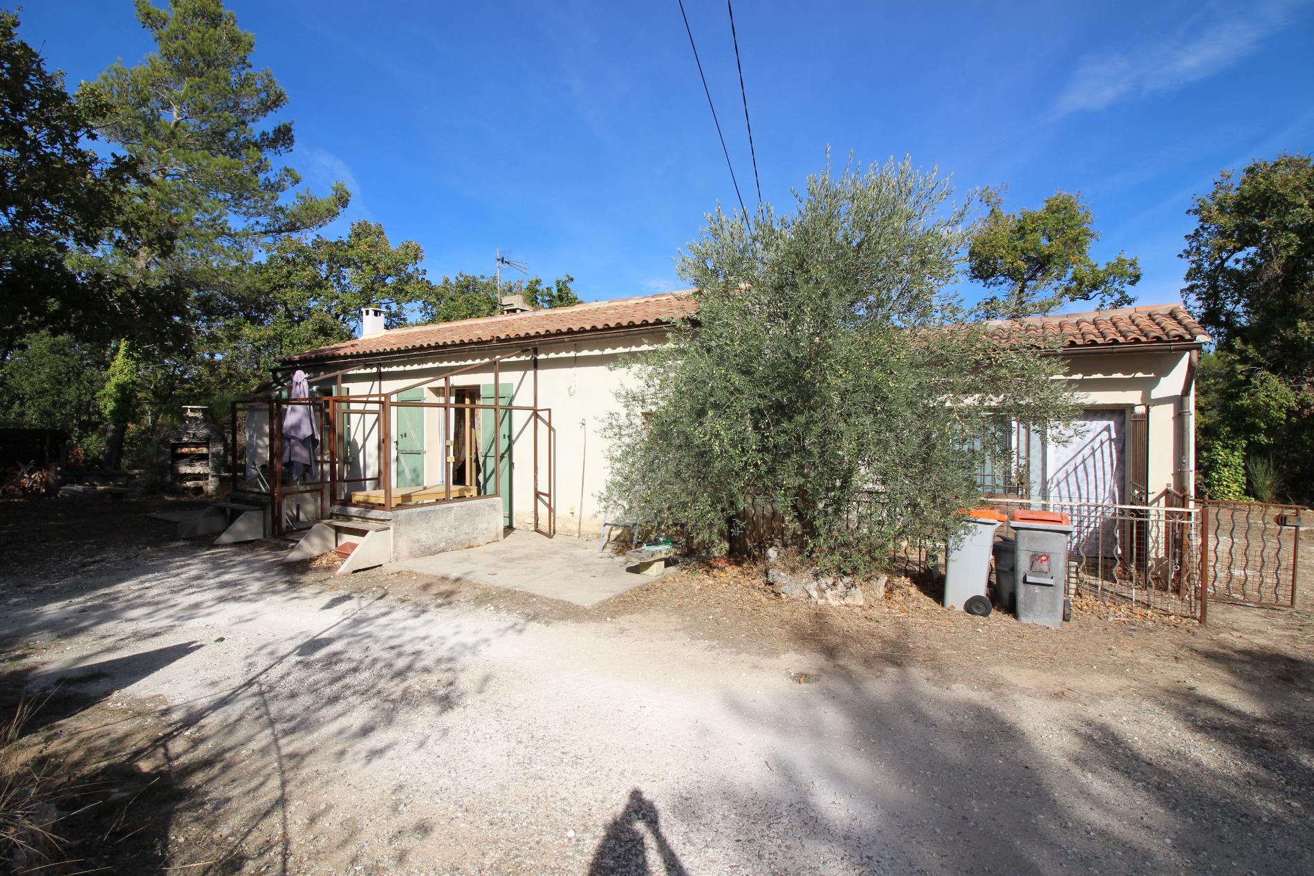 Vente maison/villa 3 pièces lacoste 84480
