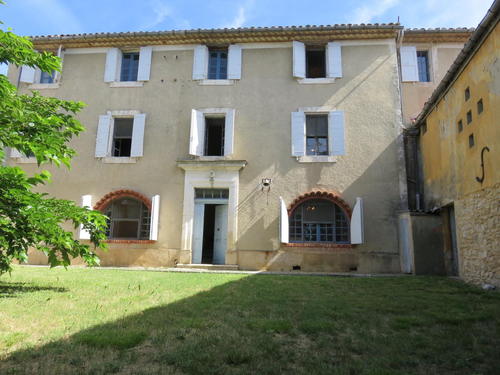Vente maison/villa 12 pièces viens 84750